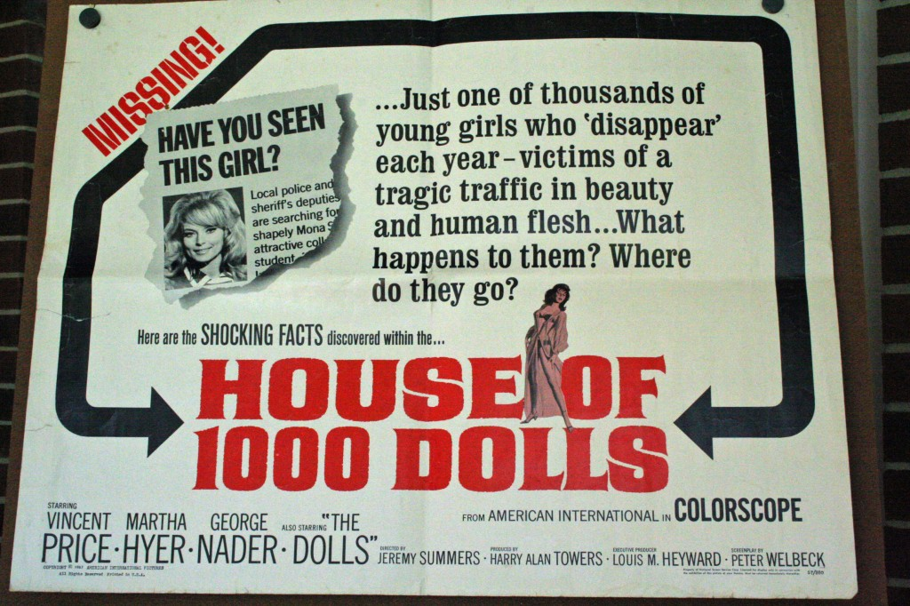 House of a 1000 dolls JMP